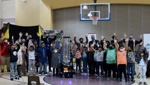 Covid-19, i robot sanificano le scuole