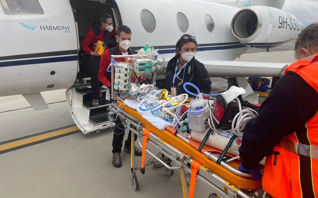Un'equipe del Gaslini vola in Kosovo per salvare un neonato