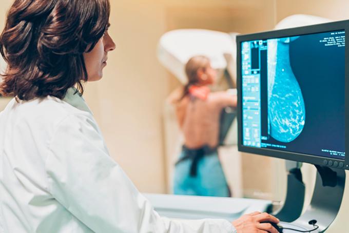 Tumori, nel 2020 posticipato il 99% degli interventi al seno e alla prostata