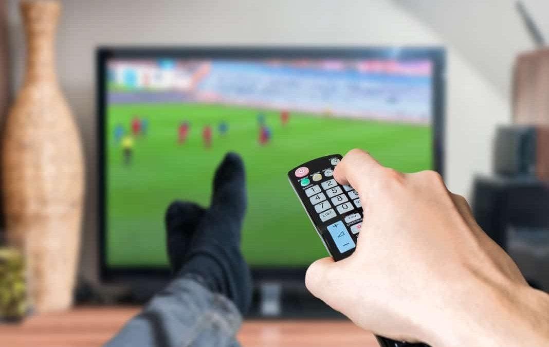 Calcio in tv: quest'anno calo record dei prezzi, quasi dimezzati