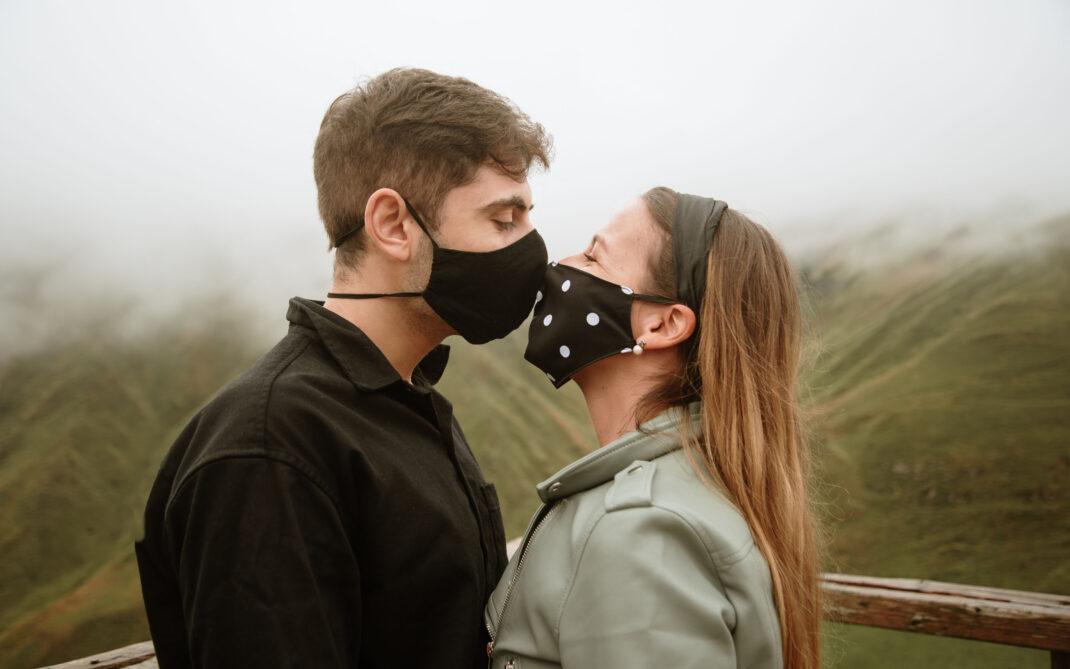 """Covid, l'allarme della Società italiana di andrologia: """"Il virus ha alterato la percezione della sessualità"""""""